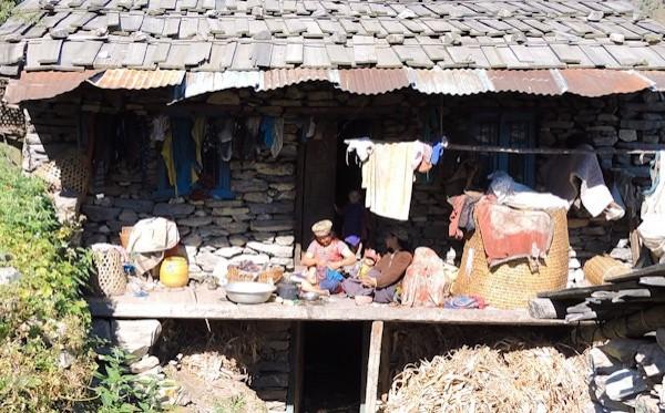 タマンの人々の文化に触れるトレック10日間